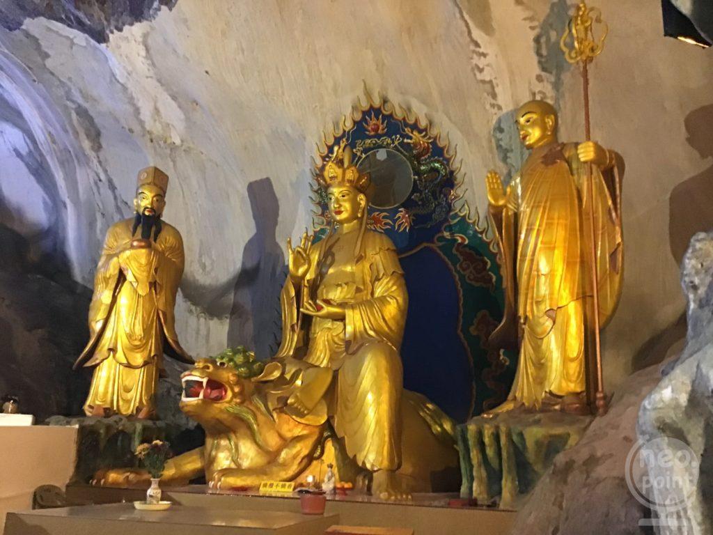 ペラトン洞窟寺院3